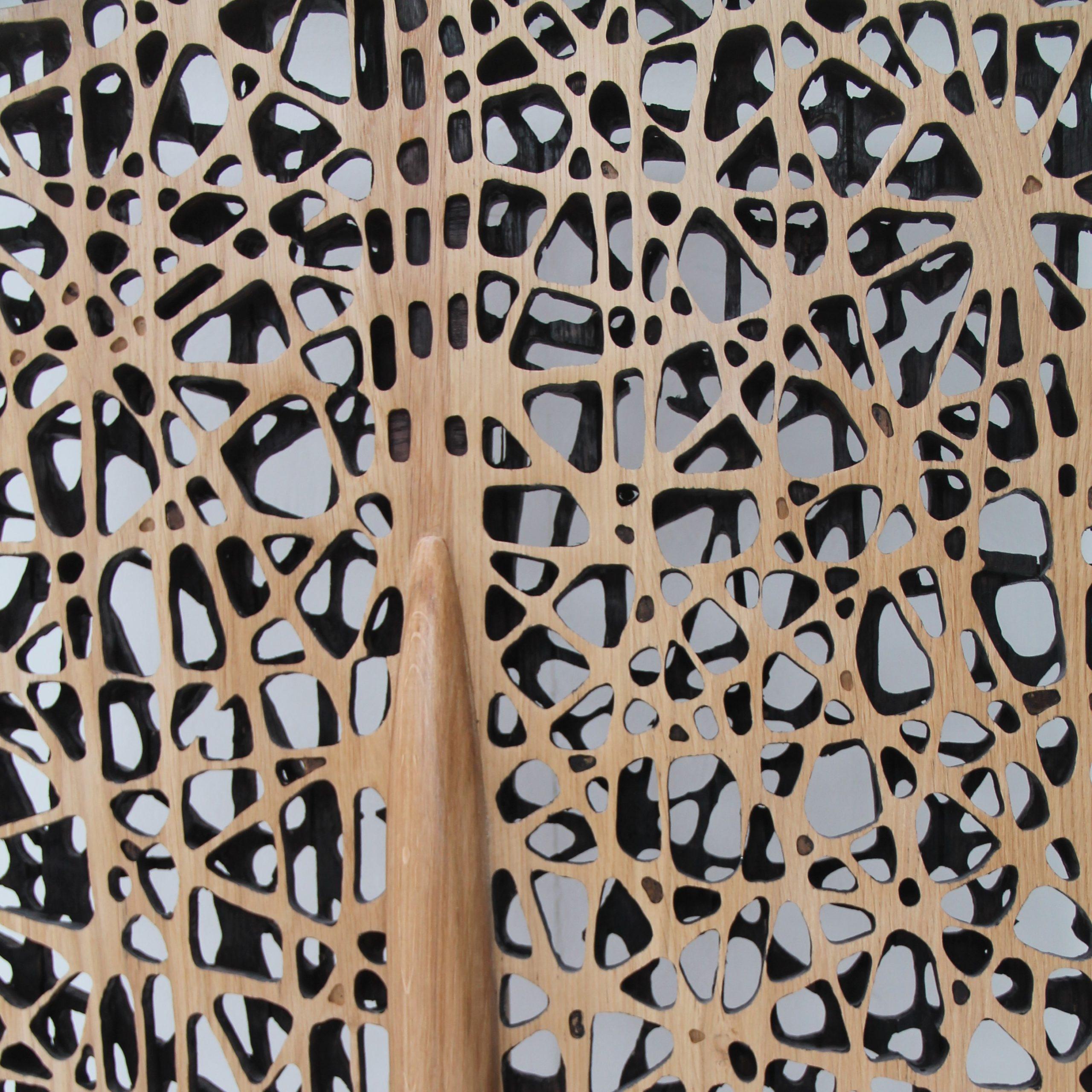 Sculpture paravent en chêne sculpté teinté