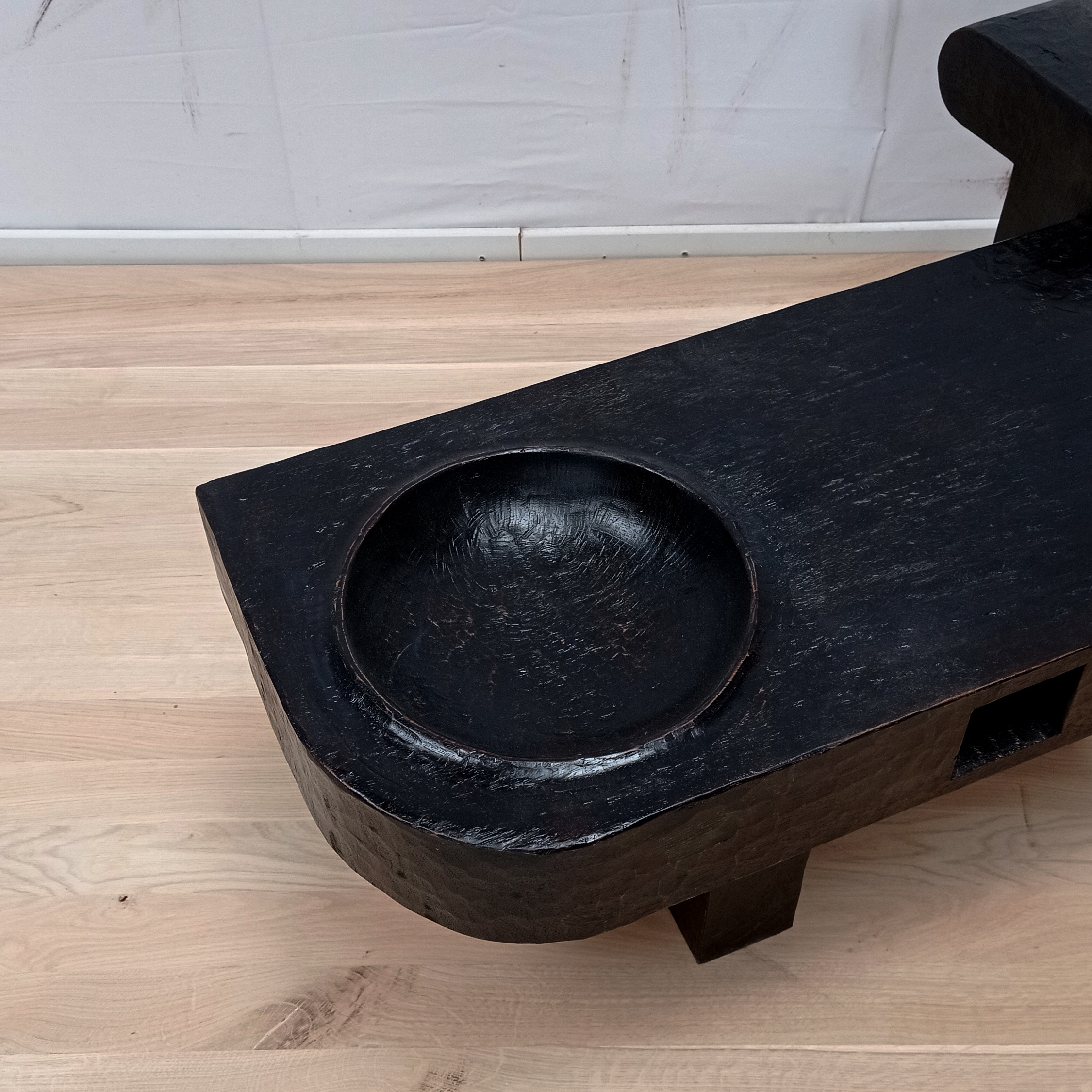 Console sculpture