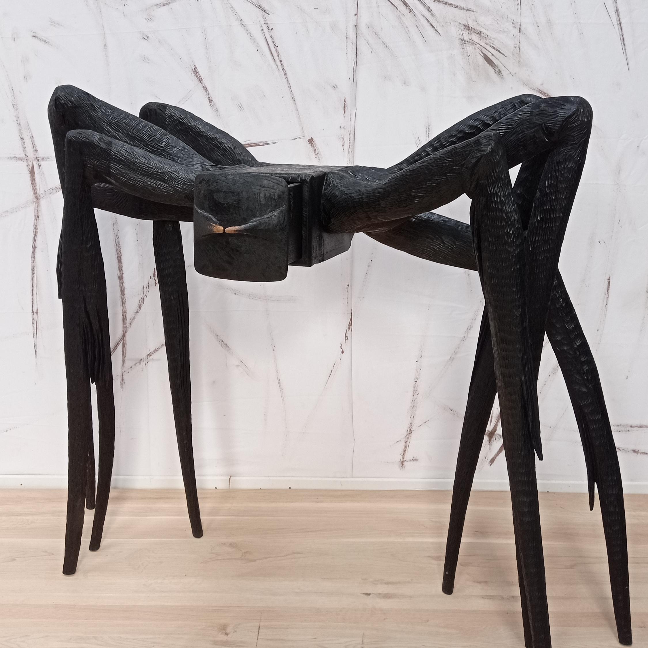 Chêne sculpté et teinté